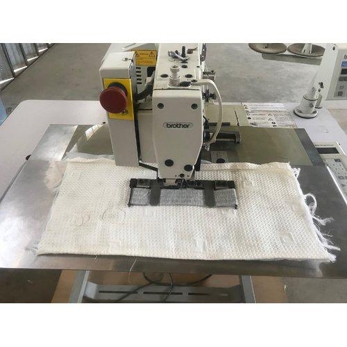 Máquina para poner jaladores de tela